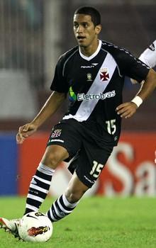 http://www.netvasco.com.br/futebol/jogadores/236-romulo-2.jpg