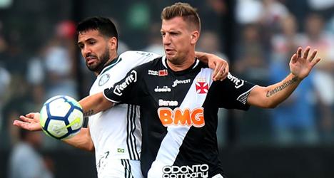 Vasco planeja anunciar renovação com Maxi López antes do jogo contra o Urubu c362e8dd31f80