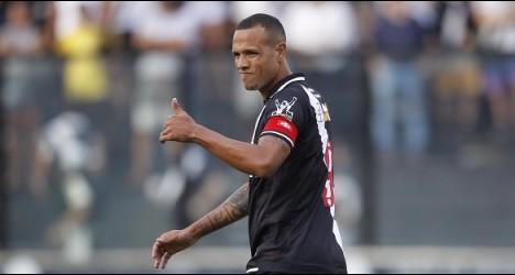 d18c2a36b3 Vasco oficializa que Luis Fabiano não joga mais em 2017