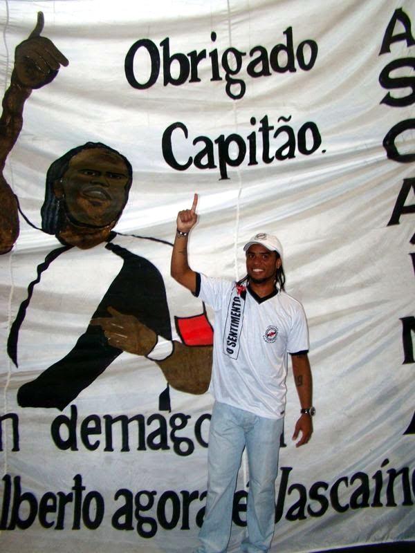 http://www.netvasco.com.br/news/noticias15/arquivos/20091208bandeiracarlosalberto2.jpg