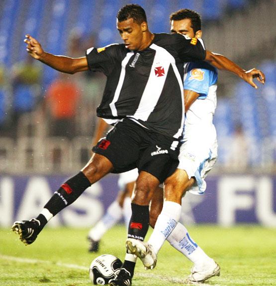 http://www.netvasco.com.br/news/noticias15/arquivos/images/20080331/07_20090401elton.jpg