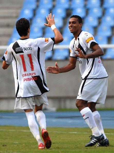 A vitória do Vasco ontem sobre o Madureira por 3 x 0 ... 77f0159c15784