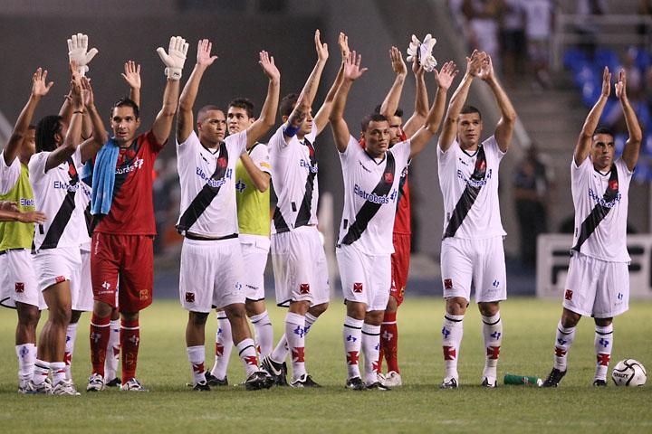http://www.netvasco.com.br/news/noticias15/arquivos/images/20100124/67-20100124-jogadores.jpg