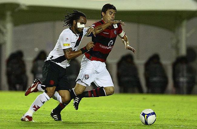 http://www.netvasco.com.br/news/noticias15/arquivos/images/20100428/06-20100428-carlosalberto.jpg