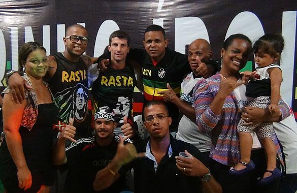 Pedrinho ganhou festa em sua homenagem pela torcida Rasta Vasco ... 90ddc19459b1b