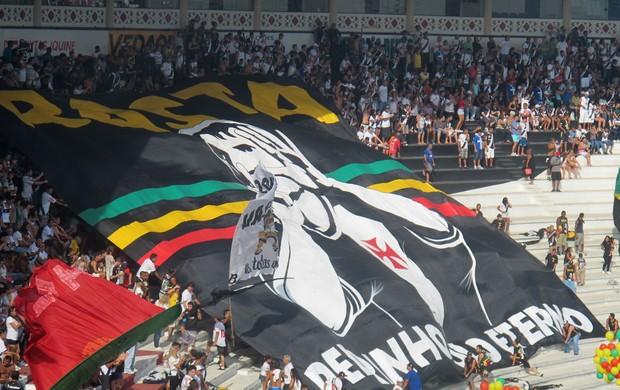 Torcida Rasta Vasco estreou bandeirão em homenagem a Pedrinho - NETVASCO e1ce6000fa970
