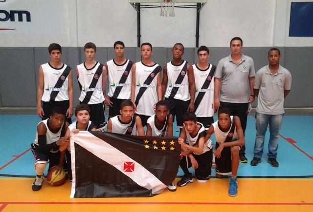 Equipe infantil de basquetebol do C.R. Vasco da Gama para o Campeonato  Estadual 2013 42e772340261d