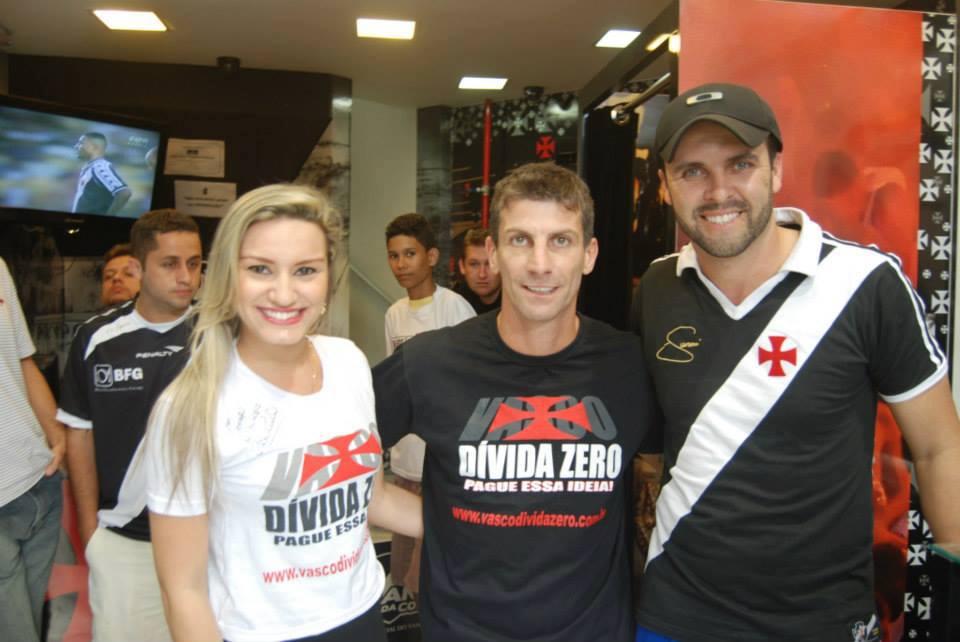 a0f55428f5 Pedrinho vestiu a camisa da campanha Vasco Dívida Zero - NETVASCO