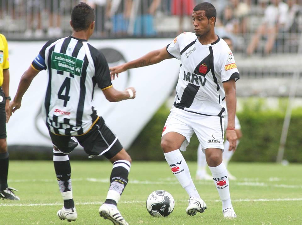 Léo Lima diz que não gostaria de ver o Vasco rebaixado   Só quem ... d0f086fa940d8