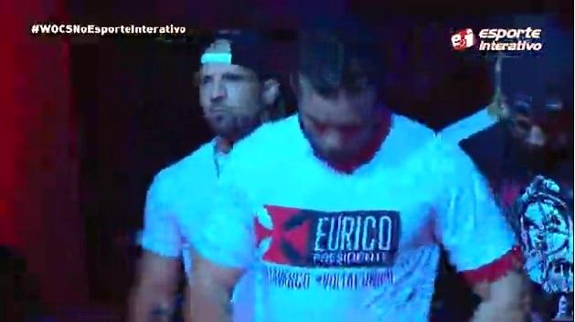Lutador do WOCS 35 entra no ringue com boné e camisa pedindo volta de Eurico  ao Vasco  veja vídeo - NETVASCO 04804d946913f