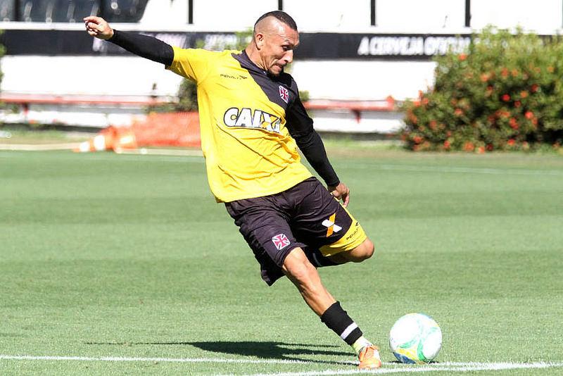 Jogadores comemoram volta para casa e elogiam São Januário - NETVASCO 5efe9aa1e8505