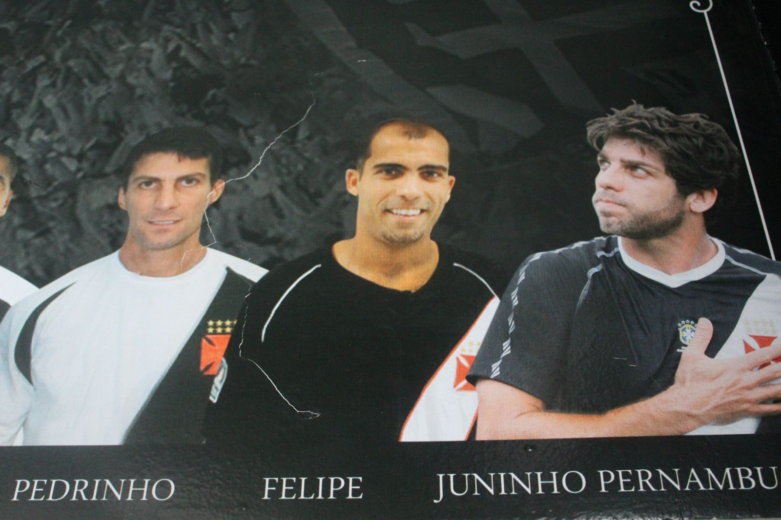 Painel no vestiário principal de São Januário homenageia grandes ... 78f9b20cc68d8