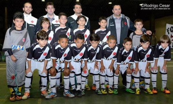 Equipe sub-9 de futsal do C.R. Vasco da Gama