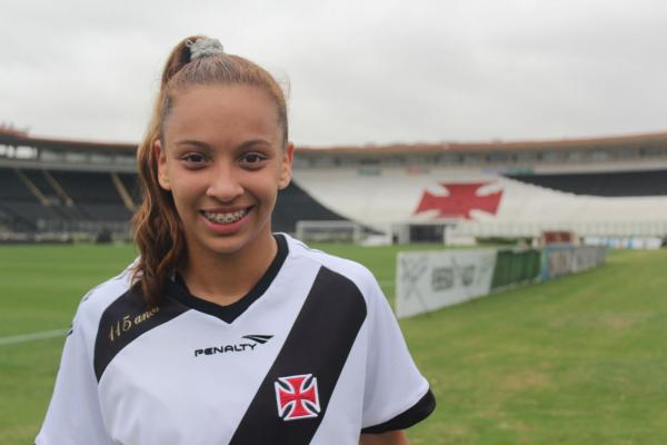 Thayla Sousa, volante do time sub-17