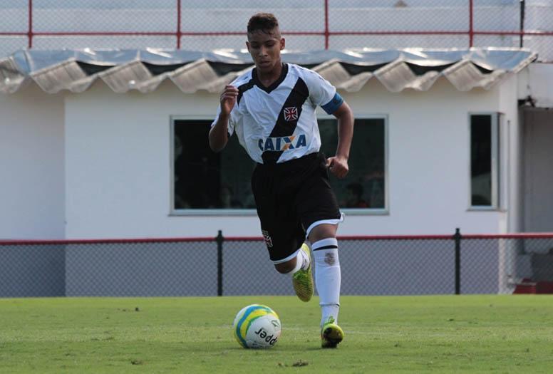 9336d44118 Juvenil  Volante João Bernardo é uma das joias da vitoriosa geração ...
