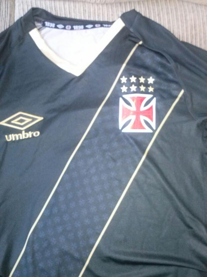 Veja fotos de suposta nova terceira camisa do Vasco - NETVASCO 9df733628a3b5