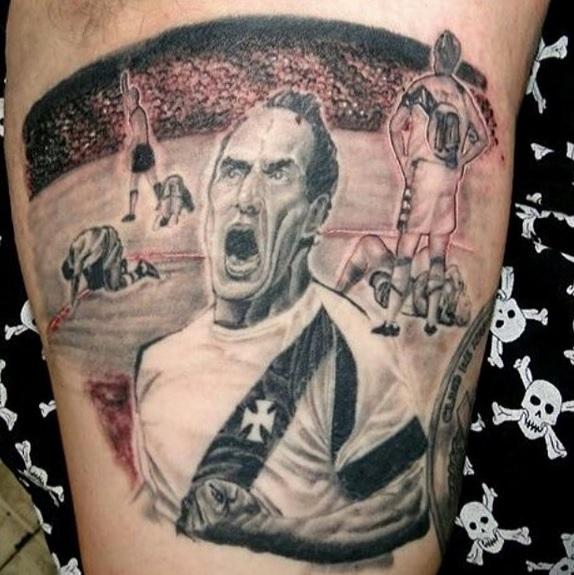 93d8a822c0 Edmundo posta foto de tatuagem que torcedor vascaíno fez em sua homenagem   veja - NETVASCO