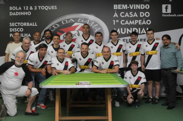 Integrantes da equipe de futmesa do Vasco da Gama