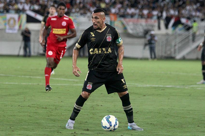 Guiñazú deixa a Colina como estrangeiro que mais vestiu a camisa do ... a94113f370fd4