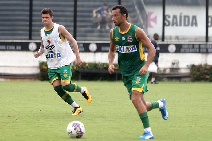 Nenê em treinamento do Vasco em São Januário na manhã desta quinta-feira 7ad438238fa0f