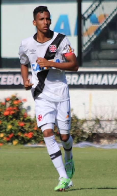 Atacante de 19 anos tornou time mais veloz e ofensivo quando entrou contra  o Boavista a9e2fbc5c0681