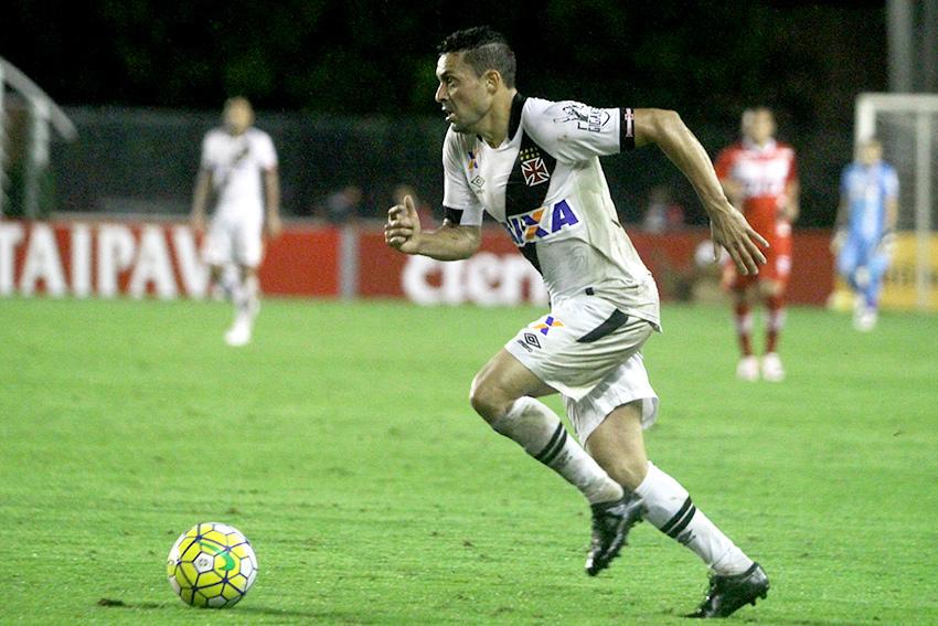 d15d54db85fec Nenê lidera ranking de assistências do Vasco em 2016  Eder Luis vem ...