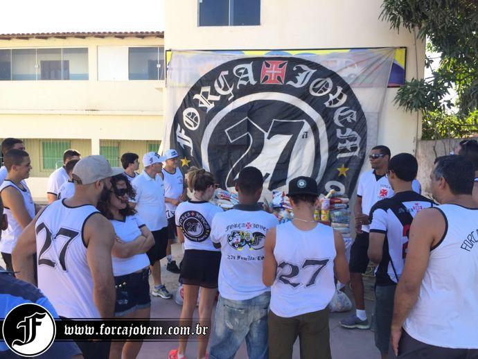6b7dc66a7f Força Jovem 27ª Família Espírito Santo distribuiu alimentos ...