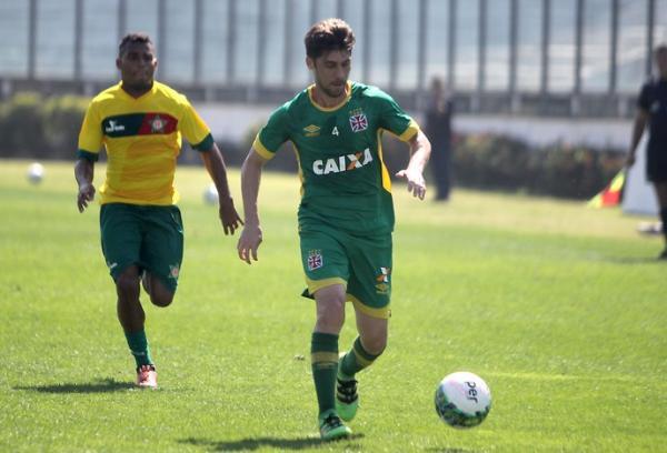 Fellype Gabriel em ação no jogo-treino contra a Portuguesa da Ilha do Governador