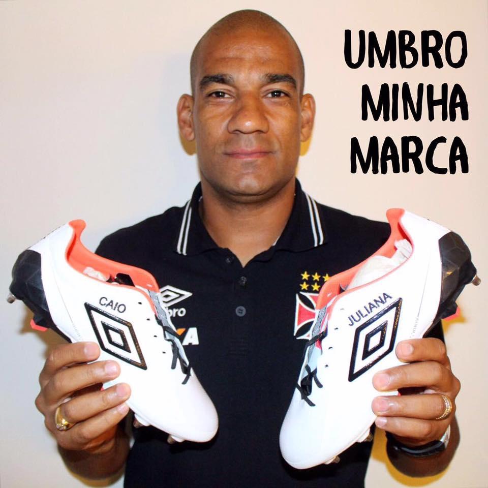 a62c672598 Rodrigo exibe