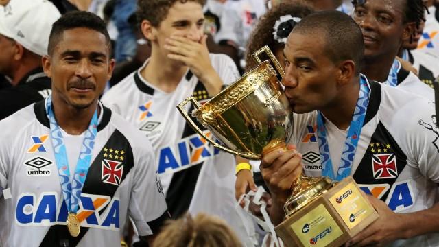 217394e2756fc Vasco foi o único clube a vencer no Maracanã em 2016 - NETVASCO