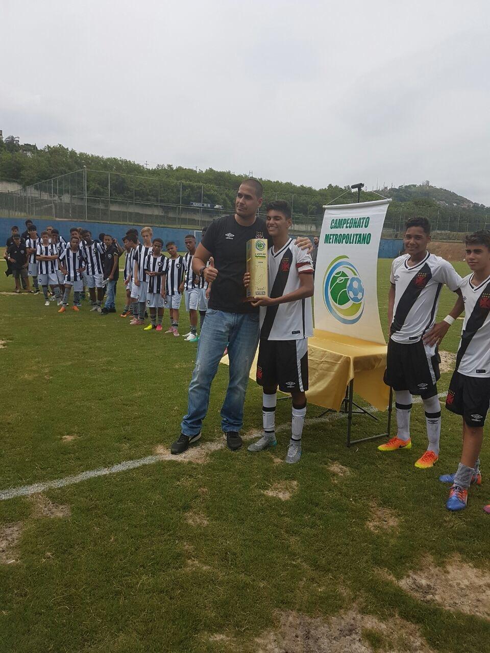 Vasco é campeão da Taça Rio Sub-14 e decidirá os Metropolitanos Sub ... 5aad60ce77ef1