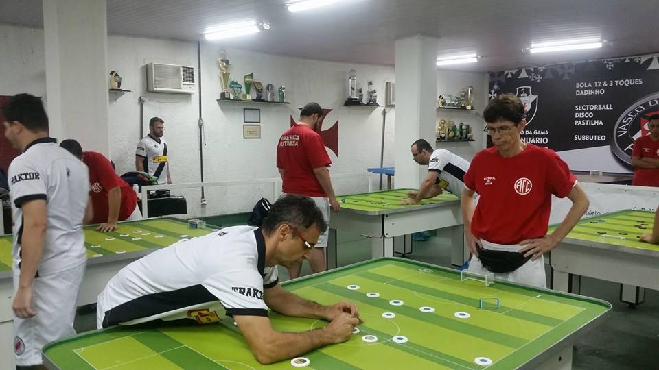 Vasco faz 12x0 no primeiro quarto contra o Fluminense. Estadual Interclubes  - Bola 12 Toques. 1ad86269cb56a