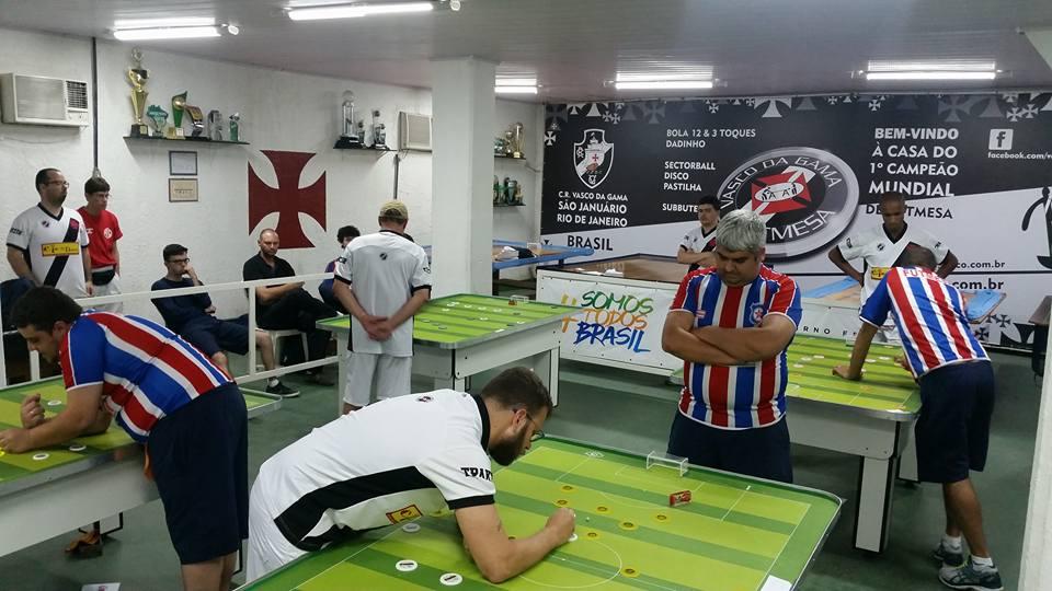 No próximo dia 04 12 Vasco (campeão da Taça Guanabara) fará a final do  estadual Interclubes 12 toques contra o Friburguense (campeão da Taça Rio). f8d8f1fe0e3aa