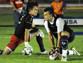 Cestaro (primeiro à esquerda) defendeu o Vasco entre 1997 e 2011 855d413f8f874