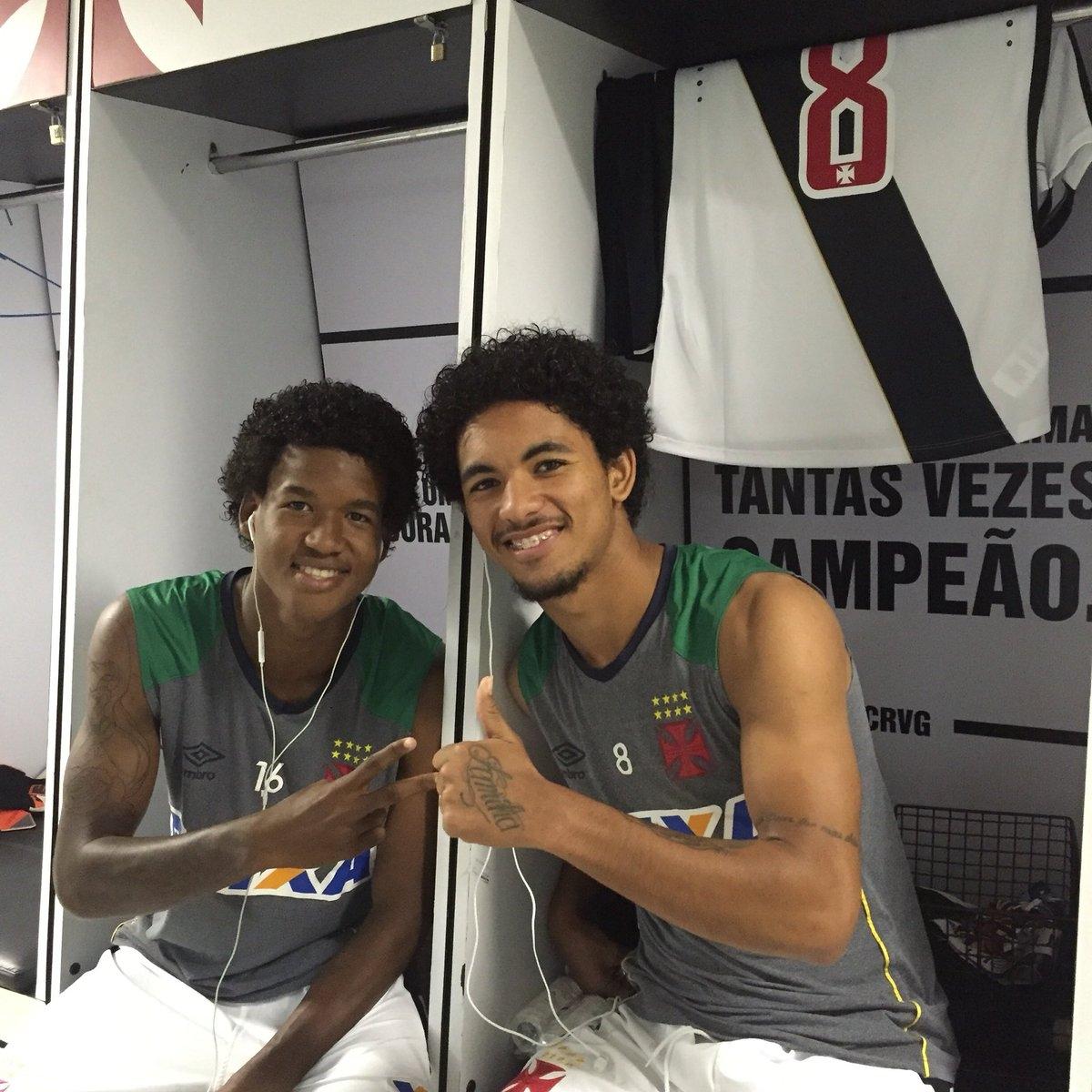 Douglas Luiz comemora temporada de afirmação no time profissional ... d566b0ab20e6f
