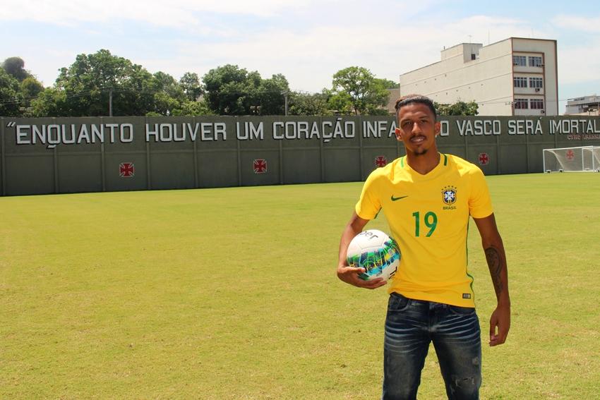 Caio Monteiro comemora convocação para o Sul-Americano Sub-20 - NETVASCO f7f7deea8ec71