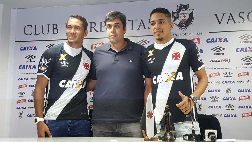 2356ff81f7 Veja foto de Gilberto e Jean com a camisa do Vasco - NETVASCO