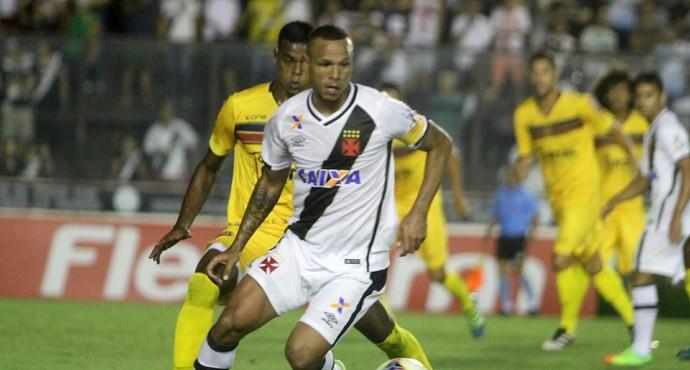 Lençol de Luís Fabiano chamou atenção e o atacante levou como abusado da  rodada 3d4c7efb589b7