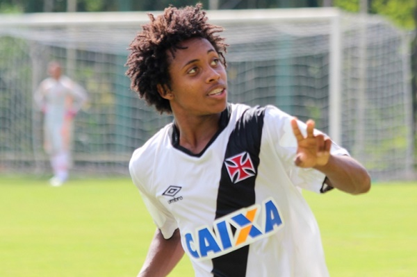 Juniores  Vasco renova com a promessa Paulo Vitor até 2020 - NETVASCO 902b291cb3c6f