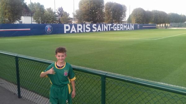 Jean Louis vestido de Vasco no CT do Paris Saint Germain