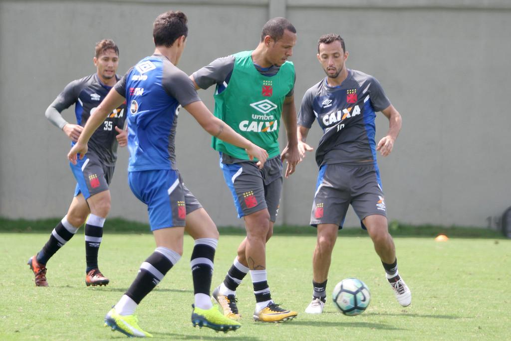 Veja o provável time do Vasco para o jogo contra o Vitória  a637f3815c697