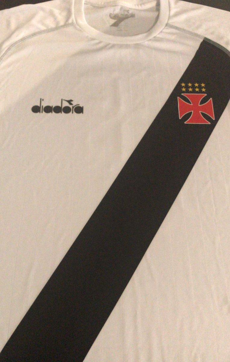 2d23fda086 Os modelos da Diadora que o Vasco vai usar. Contra o Bangu