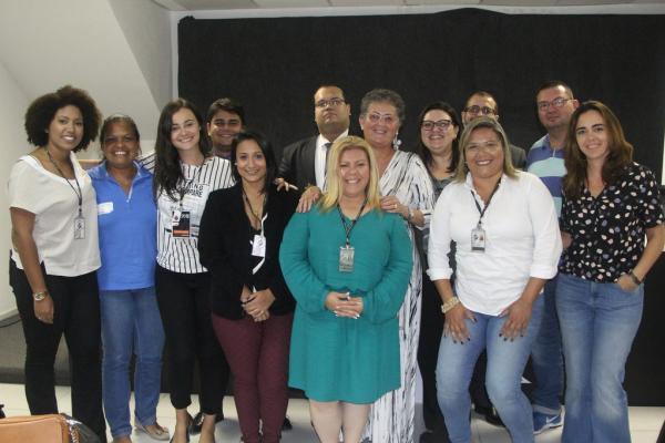 Equipe cruzmaltina ao lado dos profissionais da OAB/RJ