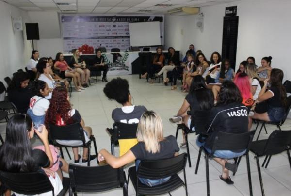 Mulheres se reuniram em São Januário para debater ideias contra o assédio