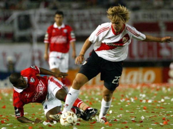 Maxi López em ação pelo River Plate, clube que o revelou