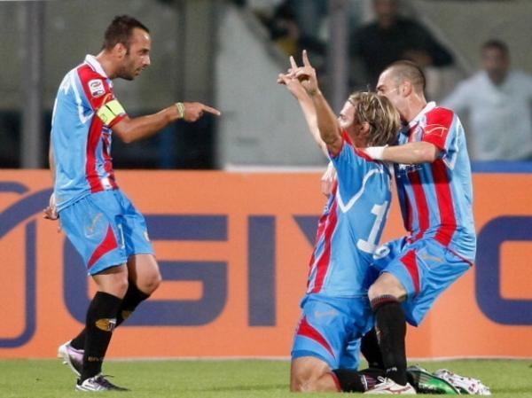 No Catania, Maxi fez 83 jogos, 27 gols e 8 assistências
