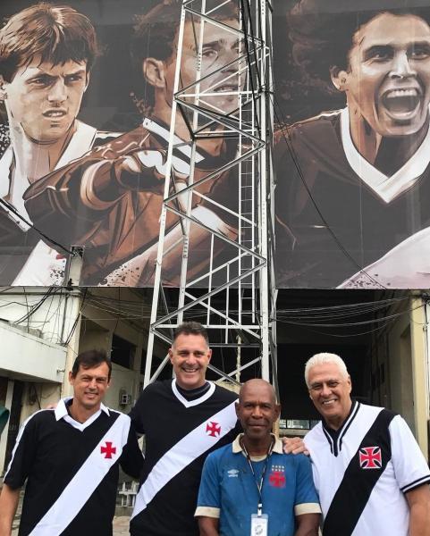 Ivanildo com Sorato, Carlos Germano e Roberto Dinamite