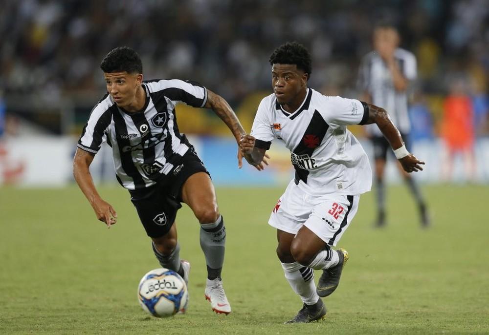 dd3cb224a5 Lucas Santos fala sobre permanência no Vasco e atuação do time ...