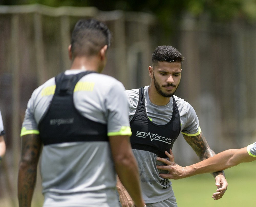Henrique e Richard no treino do Vasco