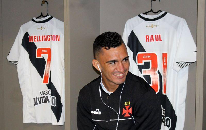 Raul vai render R$ 500 mil ao Vasco e assinará contrato com o Red Bull até dezembro de 2023